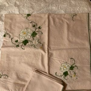 Napkins and Table Cloth, linen hand embroidered